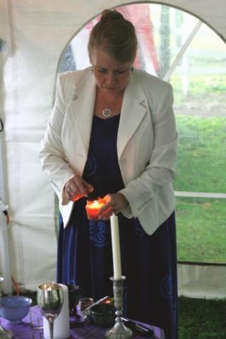 Laura Wildman-Hanlon, Officiant for Montague Retreat Center